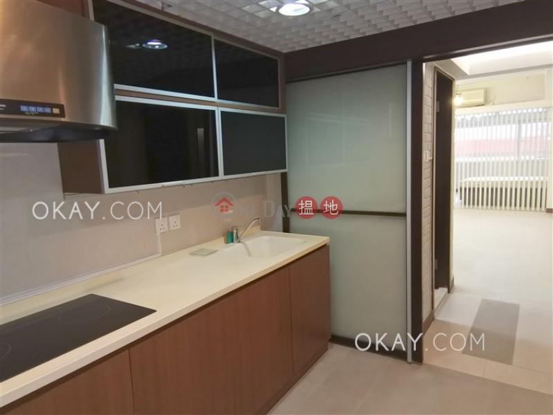 Charming 1 bedroom in Sheung Wan | Rental | Tai Shing Building 泰成大廈 Rental Listings