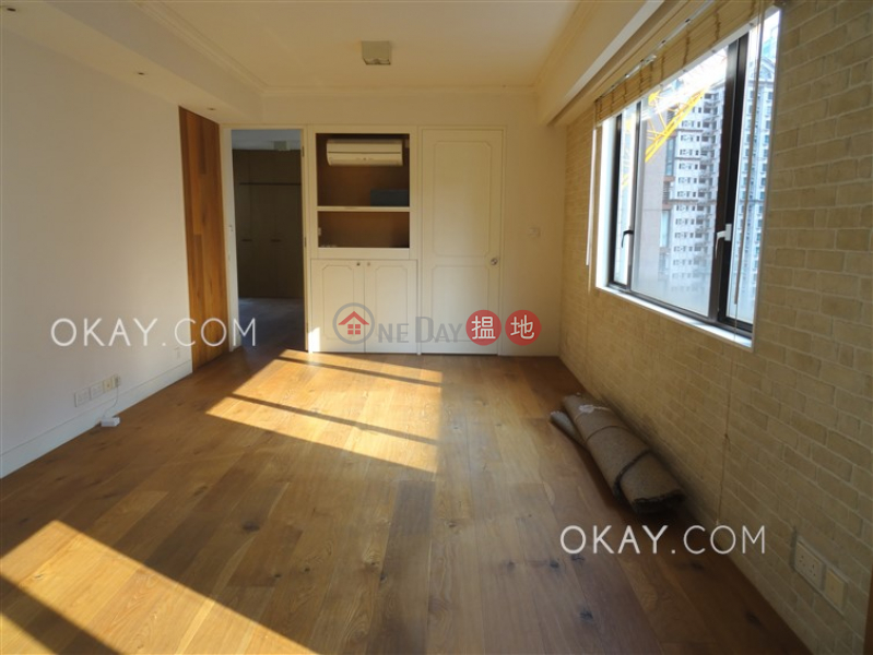 Luxurious 2 bed on high floor with rooftop & parking | For Sale | King\'s Court 瓊林閣 Sales Listings