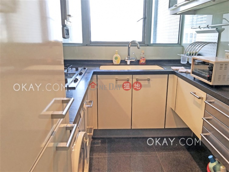 HK$ 33,000/ month The Harbourside Tower 2 Yau Tsim Mong Luxurious 2 bedroom in Kowloon Station   Rental