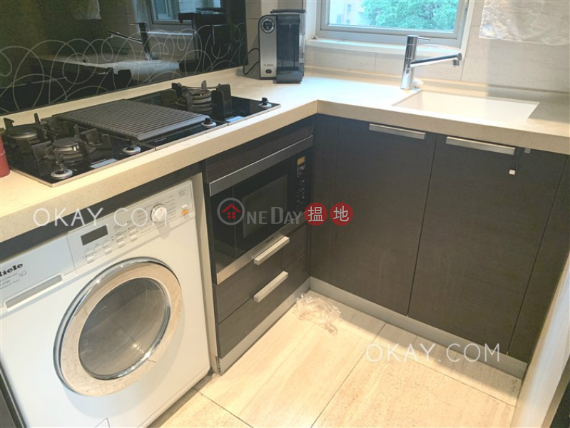 Nicely kept 2 bedroom with balcony | For Sale | Centre Place 匯賢居 Sales Listings