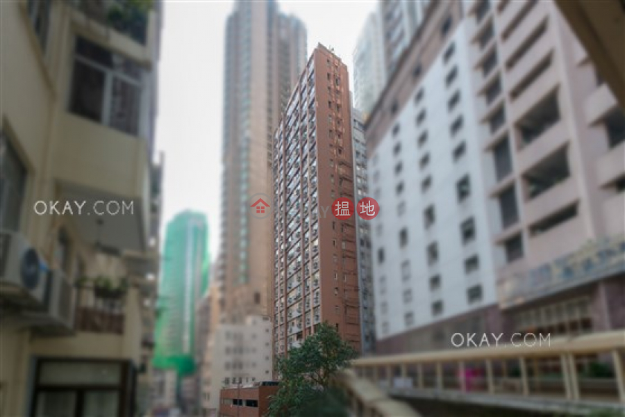 Charming 3 bedroom in Mid-levels West | Rental, 39-41A Robinson Road | Western District, Hong Kong | Rental HK$ 36,000/ month