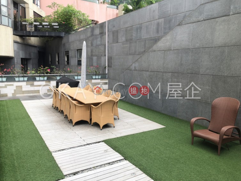 Beautiful 2 bed on high floor with balcony & parking   Rental   Queen\'s Garden 裕景花園 Rental Listings