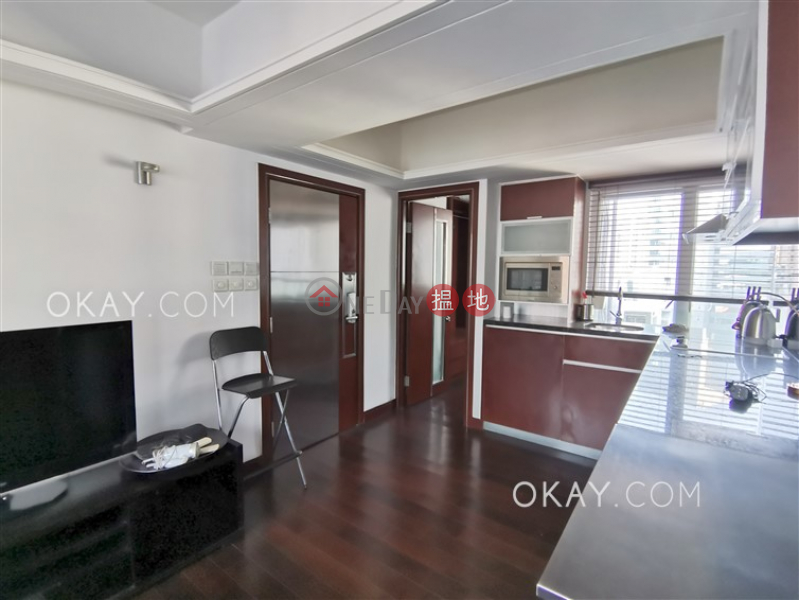 HK$ 25,000/ month Sunrise House Central District Intimate 1 bedroom on high floor with harbour views | Rental