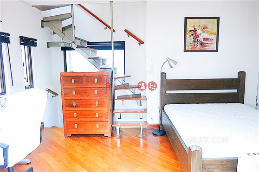 HK$ 16M Amber Lodge, Central District | Lovely 1 bedroom on high floor with rooftop & balcony | For Sale