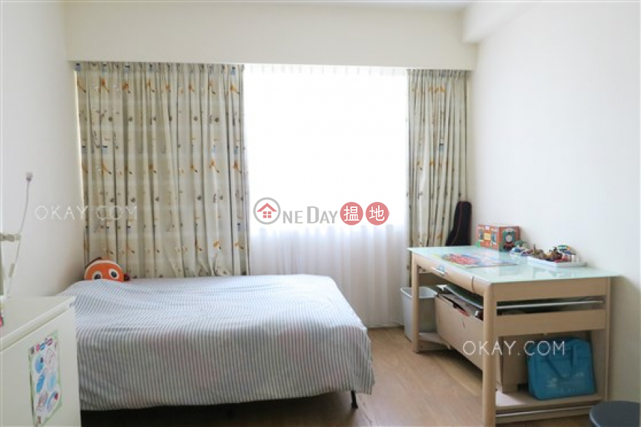 Efficient 5 bedroom with balcony & parking | Rental | Babington House 巴威大廈 Rental Listings