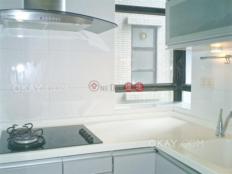 HK$ 29,900/ 月 景雅花園 西區2房1廁,實用率高,極高層《景雅花園出租單位》