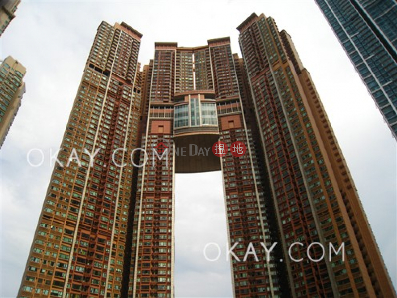 Stylish 4 bedroom on high floor with balcony & parking | Rental | The Arch Star Tower (Tower 2) 凱旋門觀星閣(2座) Rental Listings