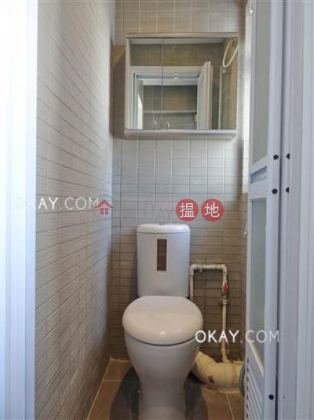 香港搵樓|租樓|二手盤|買樓| 搵地 | 住宅出租樓盤-2房1廁,連車位,露台《雲景大廈出租單位》