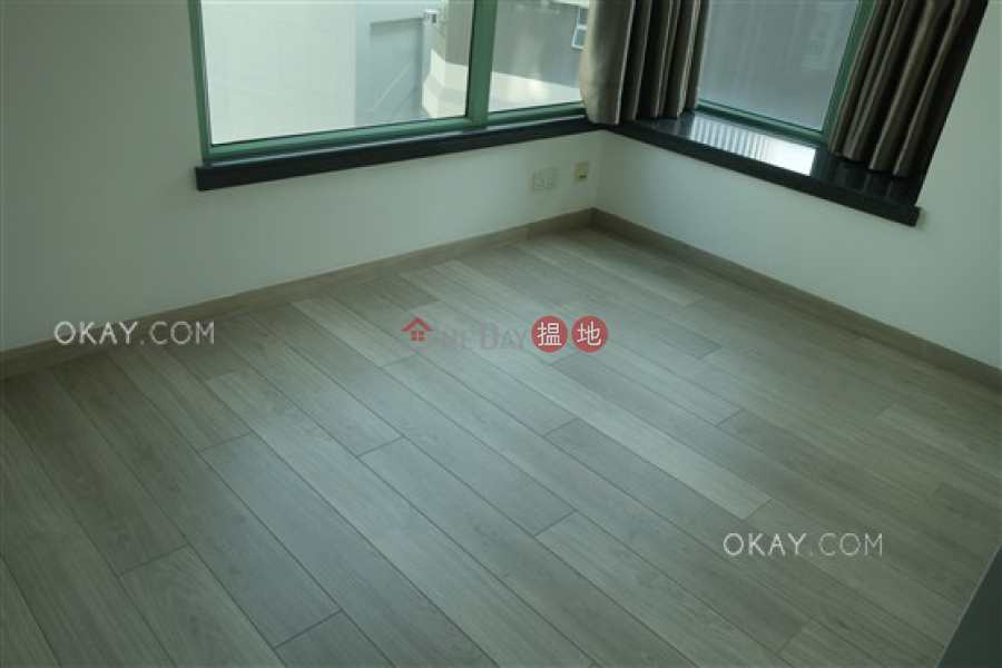 HK$ 32,000/ month | Royal Court | Wan Chai District Nicely kept 2 bedroom in Wan Chai | Rental