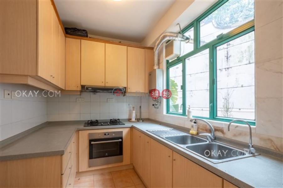 HK$ 48,000/ month Burlingame Garden Sai Kung Charming house in Sai Kung | Rental