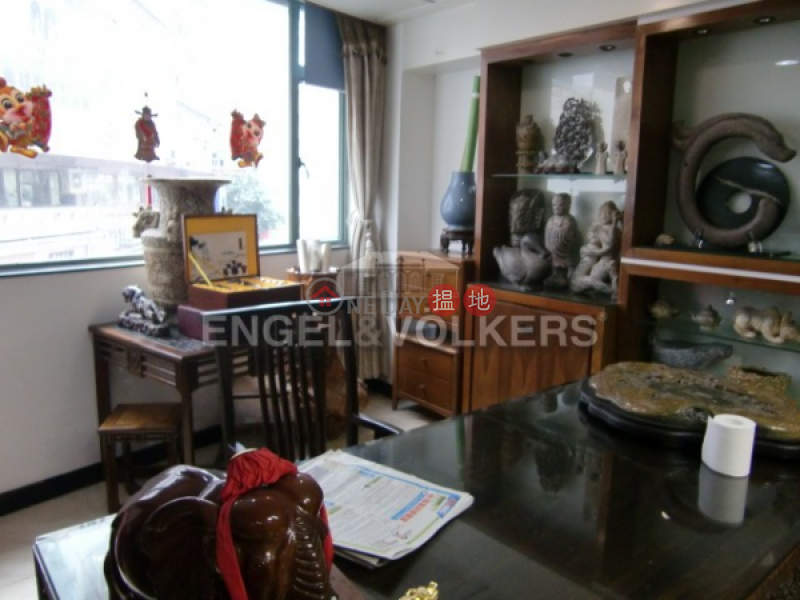 Studio Flat for Sale in Sheung Wan, 225 Hollywood Road 荷李活道225號 Sales Listings | Western District (EVHK36283)