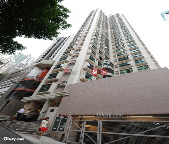 Generous 2 bedroom in Sheung Wan | Rental 55 Aberdeen Street | Central District, Hong Kong Rental | HK$ 19,000/ month