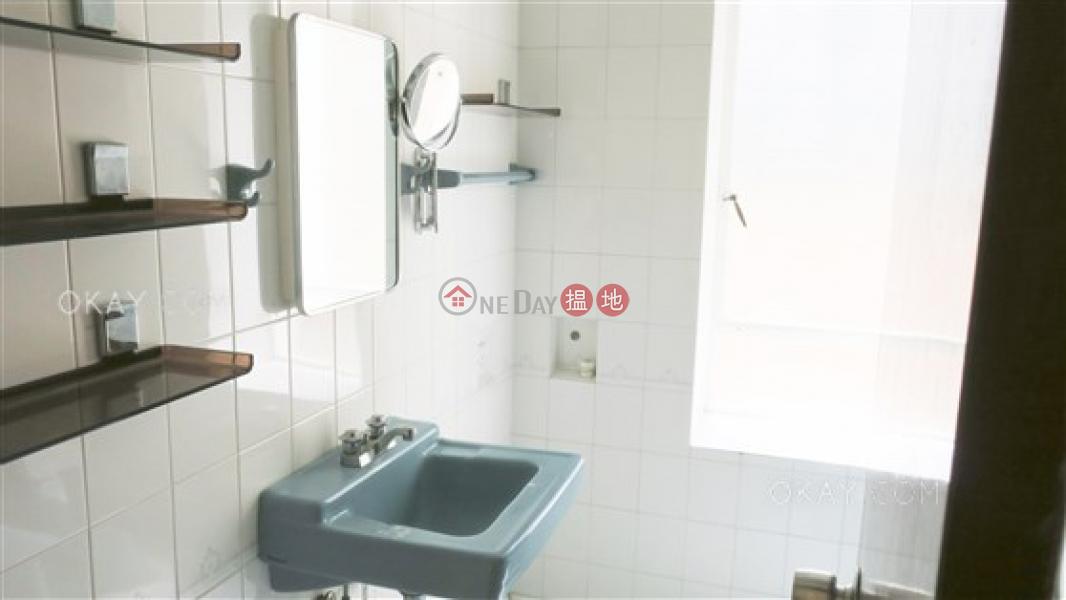 Gorgeous 2 bedroom with harbour views, balcony | Rental | 10-16 Pokfield Road 蒲飛路 10-16 號 Rental Listings