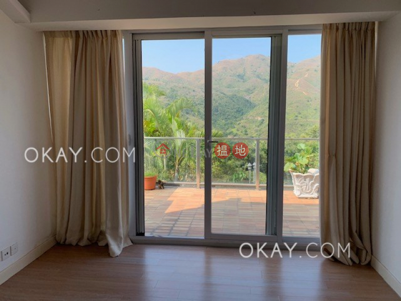 Rare house with terrace & parking | For Sale | Bijou Hamlet on Discovery Bay For Rent or For Sale 愉景灣璧如臺出租和出售 Sales Listings