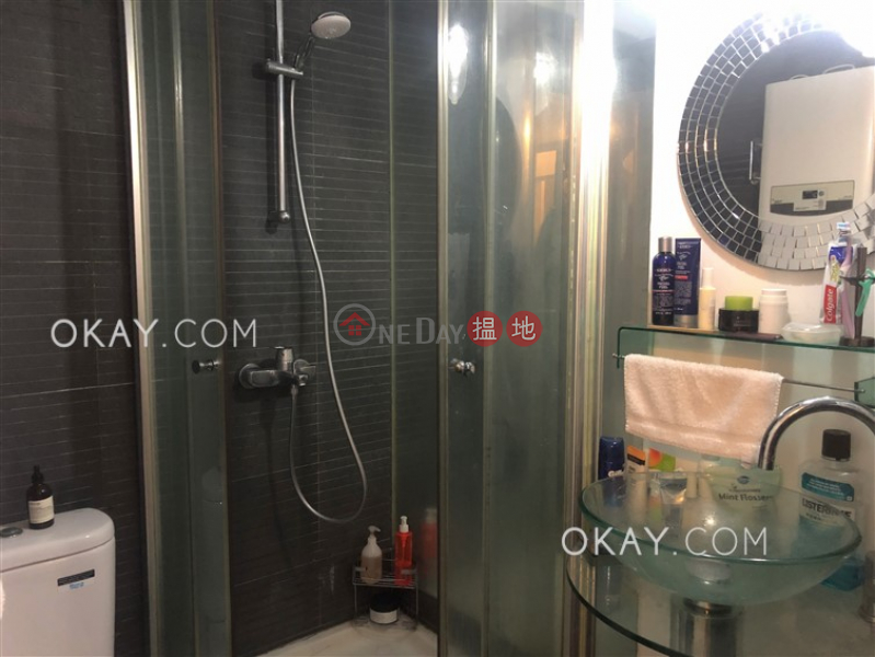 HK$ 25,000/ month | Happy Court, Wan Chai District Generous with terrace in Happy Valley | Rental