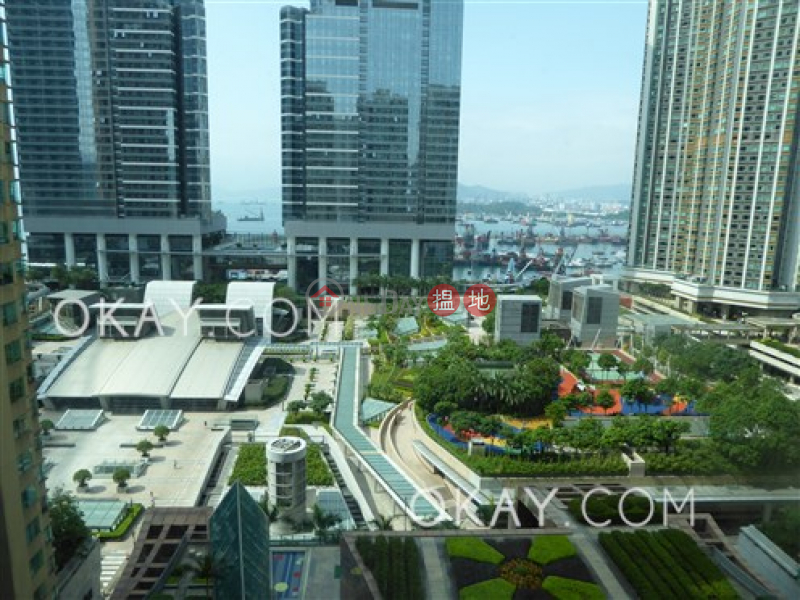 HK$ 52,000/ month | The Waterfront Phase 2 Tower 5 | Yau Tsim Mong, Luxurious 3 bedroom on high floor | Rental