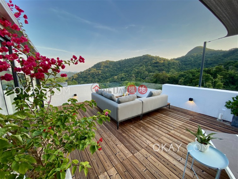 Popular house with rooftop, terrace & balcony | For Sale | King Ying House (Block D) King Shan Court 瓊瑛閣 (D座) Sales Listings