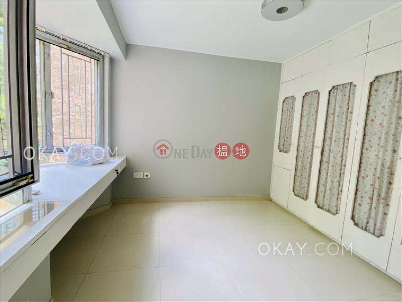 Nicely kept 3 bedroom in Quarry Bay | Rental, 10 Hong Pak Path | Eastern District, Hong Kong Rental HK$ 30,000/ month