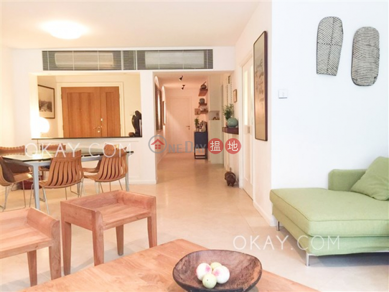 HK$ 55M Shouson Garden Southern District | Luxurious 3 bedroom with terrace & parking | For Sale