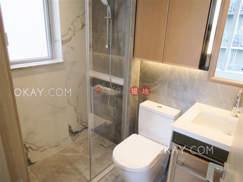 1房1廁,極高層,星級會所,露台《RESIGLOW薄扶林出租單位》 RESIGLOW薄扶林(Resiglow Pokfulam)出租樓盤 (OKAY-R378671)