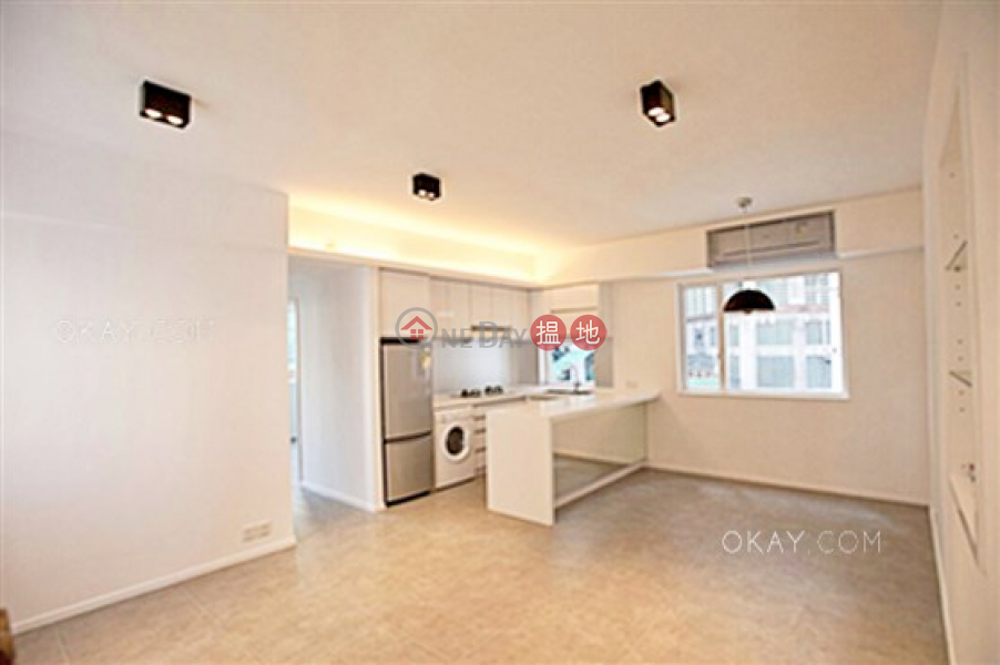Nicely kept 2 bedroom in Mid-levels West   Rental   128-132 Caine Road   Western District   Hong Kong Rental HK$ 28,000/ month