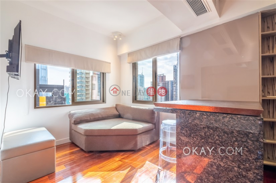 Tasteful penthouse with rooftop | For Sale | Kam Lei Building 金莉大廈 Sales Listings
