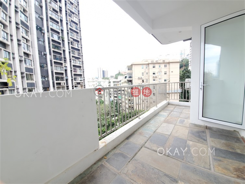 HK$ 52,000/ 月 百輝大廈中區 2房2廁,實用率高,露台百輝大廈出租單位