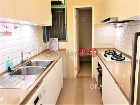 Charming 3 bedroom with balcony | Rental|Lantau IslandDiscovery Bay, Phase 12 Siena Two, Block 18(Discovery Bay, Phase 12 Siena Two, Block 18)Rental Listings (OKAY-R223977)_0