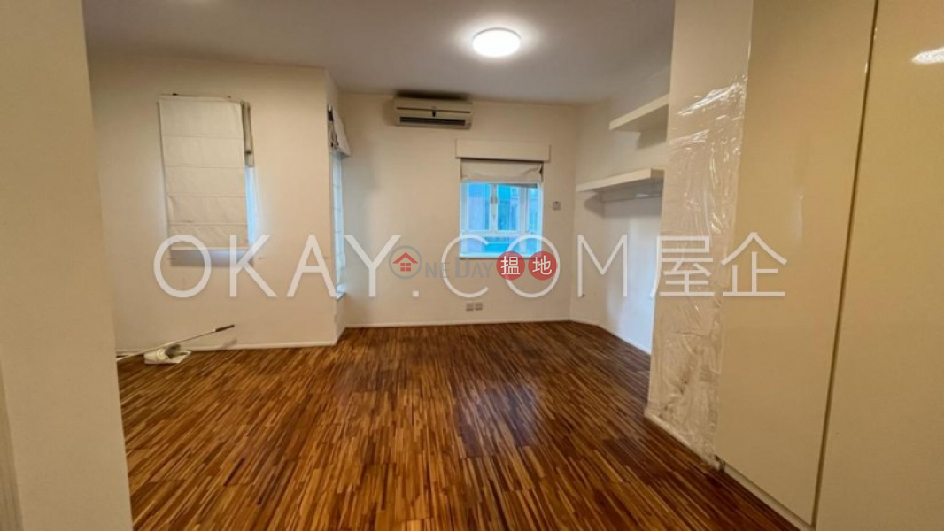 Efficient 2 bedroom with balcony   For Sale   Albron Court 豐樂閣 Sales Listings