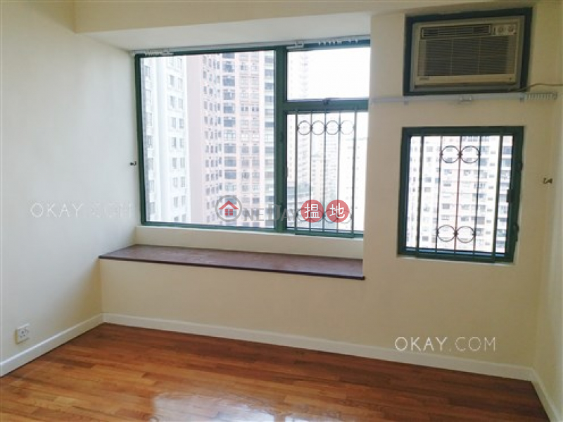 HK$ 65,000/ month, Robinson Place, Western District Lovely 3 bedroom with sea views | Rental