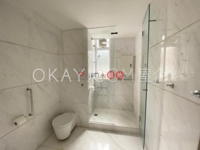 3房2廁,實用率高,海景,連車位輝百閣出售單位 29-31大潭道   南區 香港出售HK$ 5,200萬