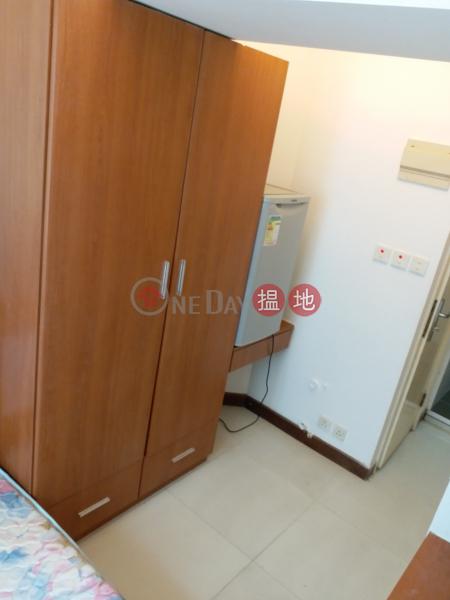HK$ 7,500/ month Yuk Chun House | Wan Chai District | 有窗套房 傢俬電器 灣仔區交通方便
