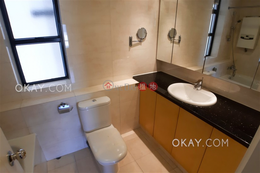 HK$ 25M | Scenic Heights Western District, Efficient 3 bedroom with parking | For Sale