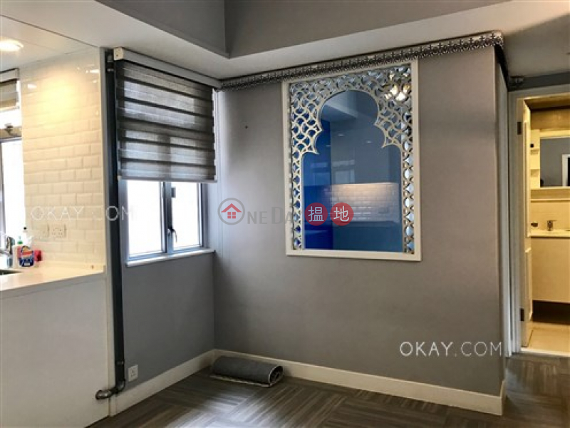 Efficient 3 bedroom with balcony & parking | For Sale | San Francisco Towers 金山花園 Sales Listings
