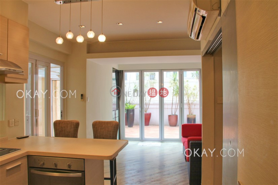 Nicely kept 1 bedroom with terrace   Rental   Sunrise House 新陞大樓 Rental Listings