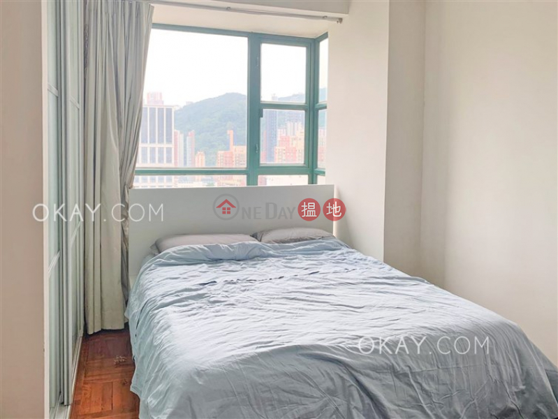 Lovely 2 bedroom on high floor with parking | Rental | Caroline Garden 加路連花園 Rental Listings