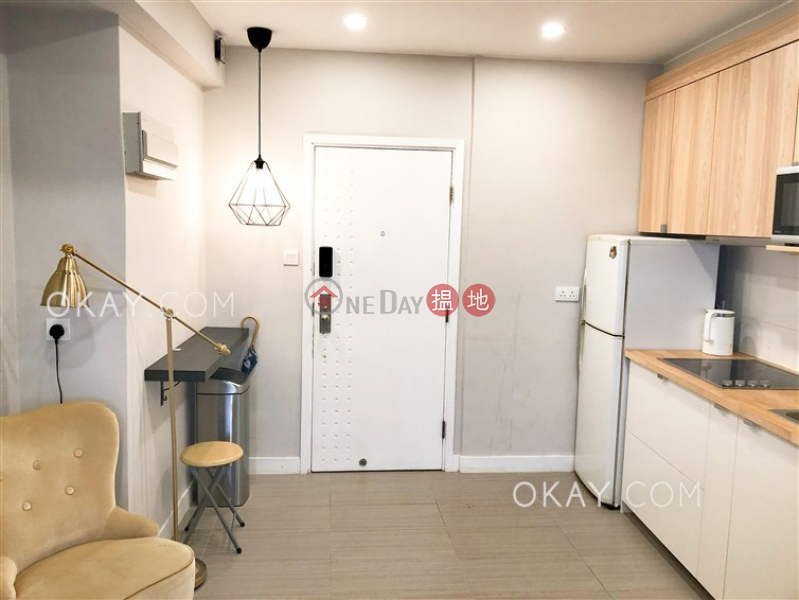 HK$ 36,000/ month | Merlin Building, Central District | Unique 2 bedroom with balcony | Rental