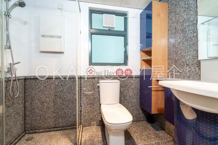 HK$ 52,000/ month, 80 Robinson Road Western District, Unique 3 bedroom on high floor with harbour views | Rental