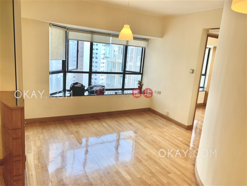 Stylish 2 bedroom on high floor with parking | For Sale | Valiant Park 駿豪閣 Sales Listings