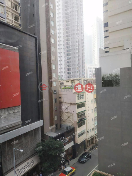 HK$ 31,000/ month Hollywood Terrace, Central District Hollywood Terrace | 2 bedroom Low Floor Flat for Rent