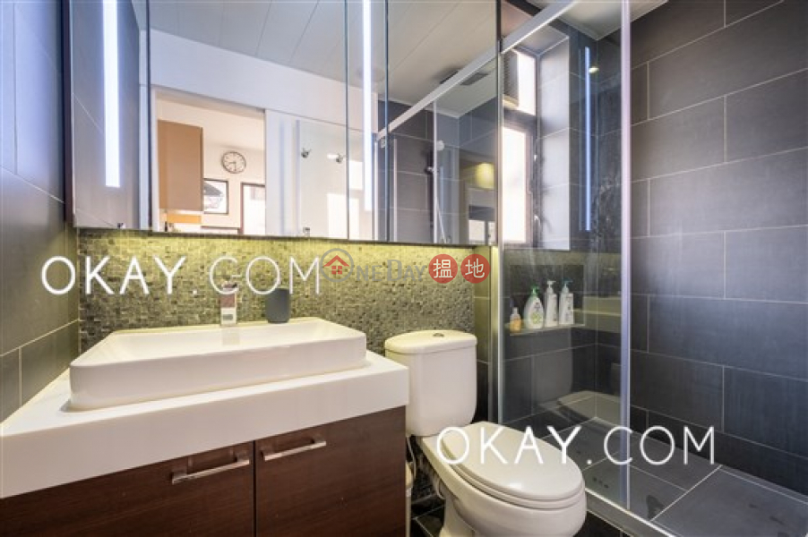 Tasteful 2 bedroom in Mid-levels West   For Sale   Cameo Court 慧源閣 Sales Listings