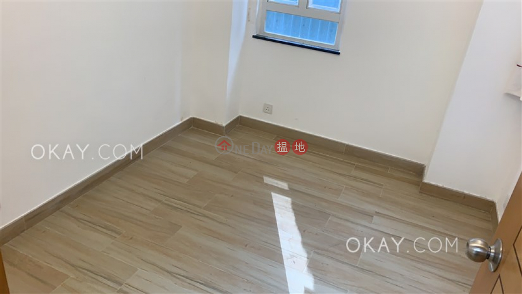 Charming 3 bedroom with terrace & balcony | For Sale | Fair Wind Manor 輝永大廈 Sales Listings
