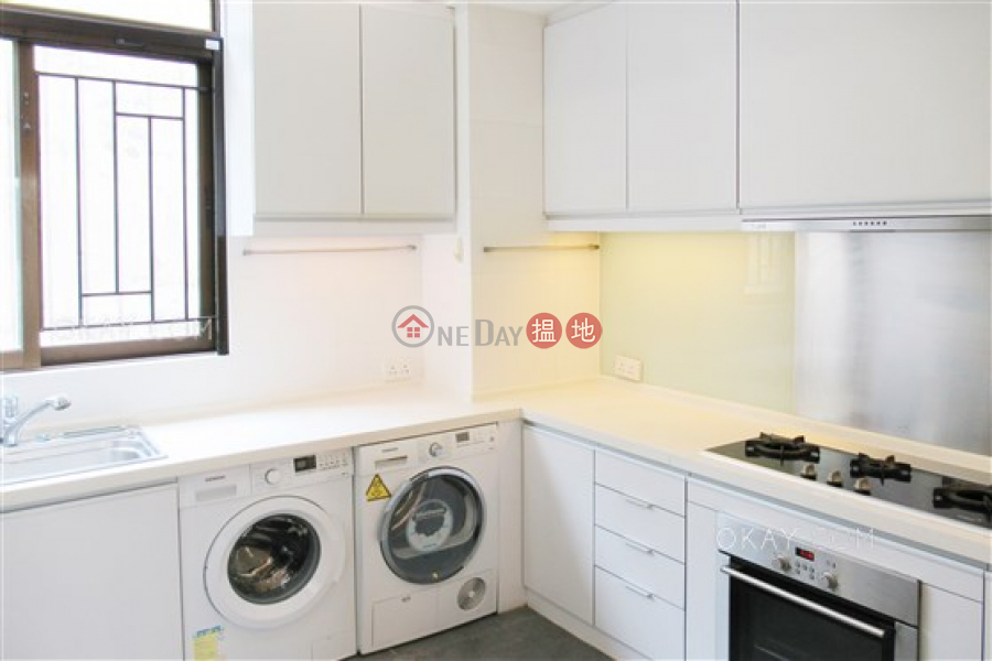 HK$ 75,000/ month | Gordon Terrace Southern District, Lovely 3 bedroom with balcony & parking | Rental