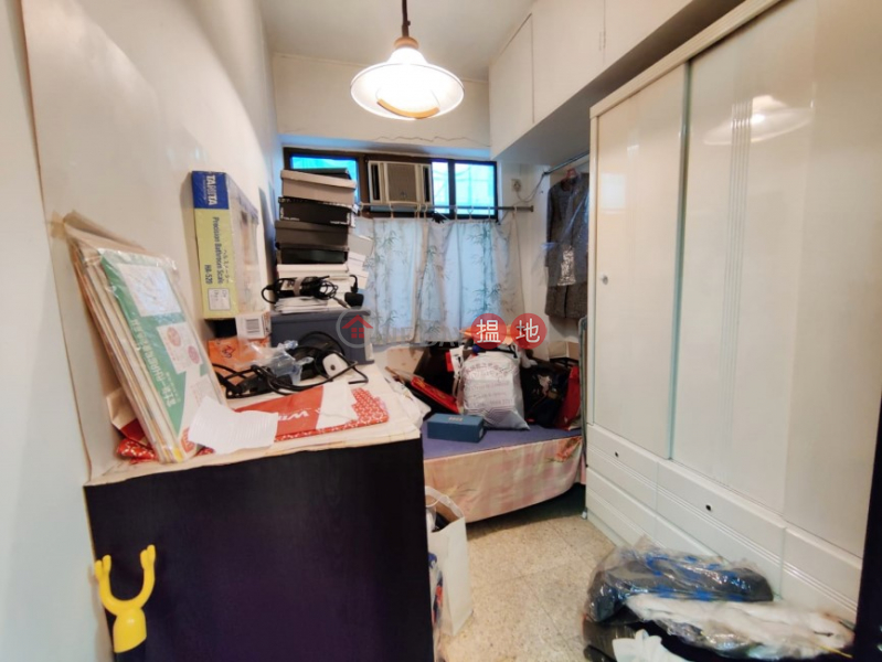 Walk Up on Burd Street, Convenient Location w/ lot of good restaurants nearby, close to MTR station 17 Burd Street | Western District | Hong Kong Sales, HK$ 5.08M