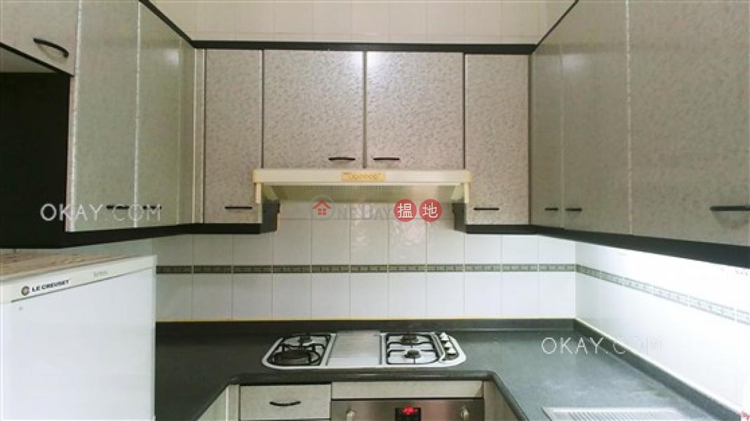 Unique 2 bedroom on high floor | For Sale | Hillsborough Court 曉峰閣 Sales Listings