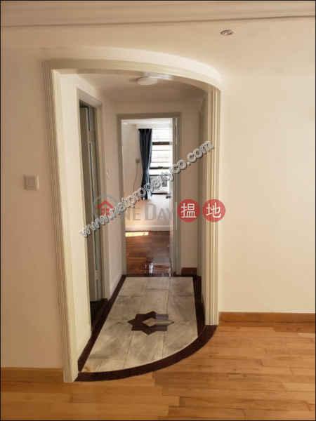 HK$ 19,800/ month Kin Ming Building, Eastern District, Spacious Apartment in Fortress Hill For Rent