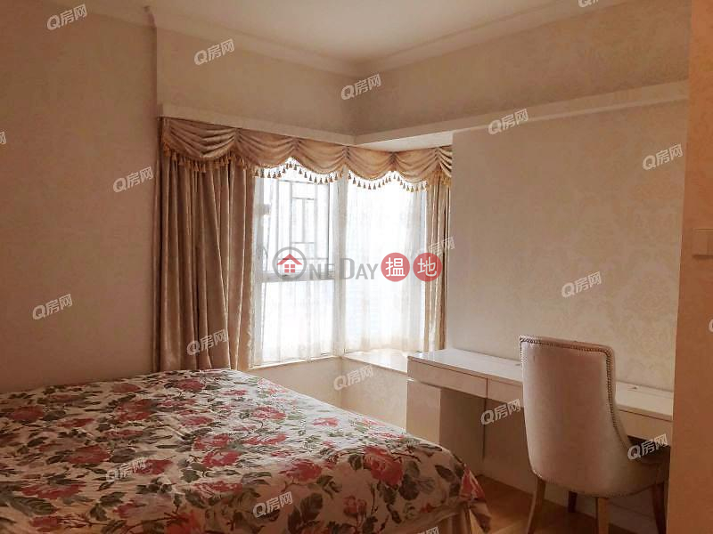 Property Search Hong Kong | OneDay | Residential | Sales Listings, The Waterfront Phase 1 Tower 3 | 3 bedroom Mid Floor Flat for Sale