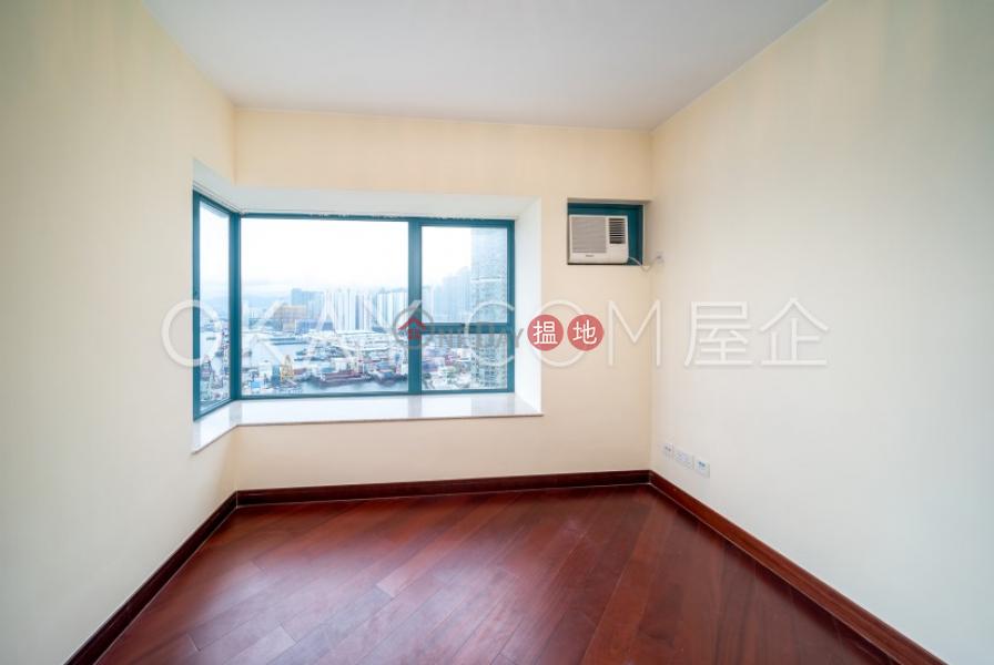 HK$ 42,000/ month | Tower 2 The Long Beach Yau Tsim Mong | Luxurious 3 bedroom with balcony | Rental