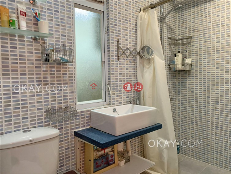 HK$ 25,000/ month | 37-39 Sing Woo Road, Wan Chai District Cozy 1 bedroom with terrace | Rental