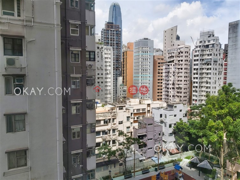 Charming 2 bedroom in Sheung Wan | Rental | Caine Tower 景怡居 Rental Listings
